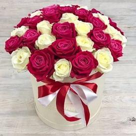 """Коробка с цветами """"Элизабет"""" 41 роза"""