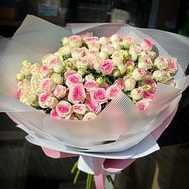 """Букет цветов """"Важный"""" Кустовые розы"""