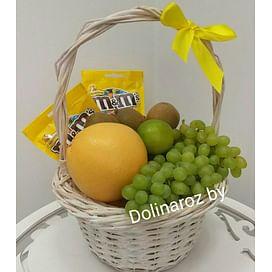 Корзина с фруктами и сладостями №4