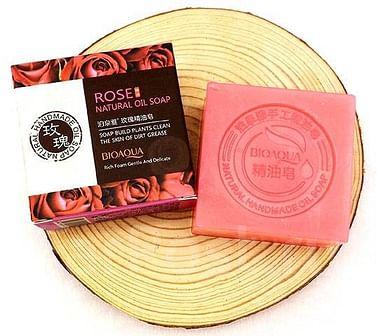 Натуральное мыло ручной работы с маслом розы,100 гр. Bioaqua
