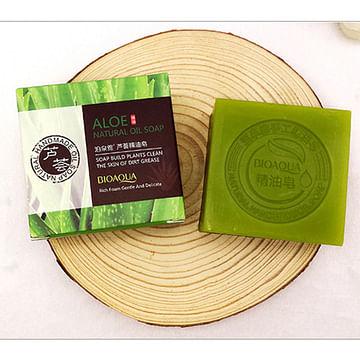 Натуральное мыло ручной работы с экстрактом алоэ вера Aloe Natural Oil Soap, 100 гр. Bioaqua