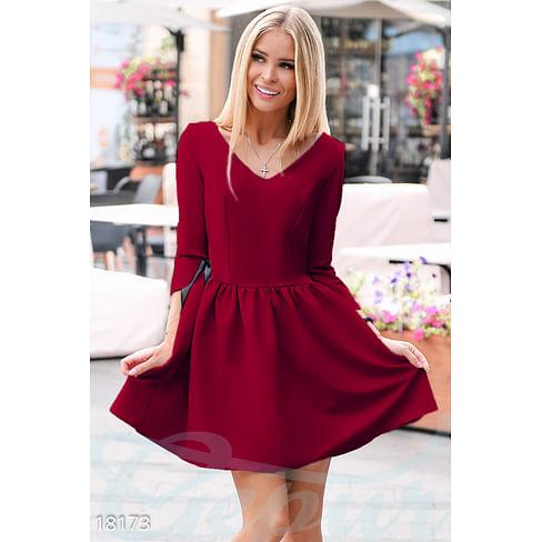 Изящное платье с декором Best things