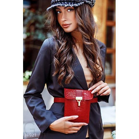 Яркая поясная сумка Leather trend