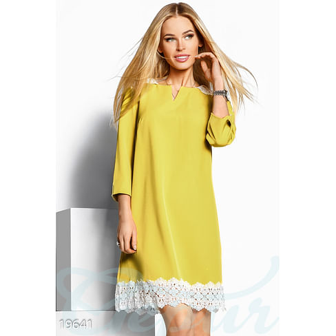 Платье с кружевом Sparkle