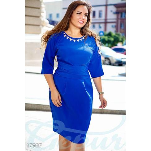 Эффектное деловое платье Simplicity
