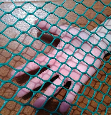Пластиковая сетка ячейка сота 20х20мм