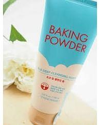 Пенка для глубокого очищения пор и стойкого макияжа Etude House Baking Powder BB Deep Cleansing Foam, 150мл.