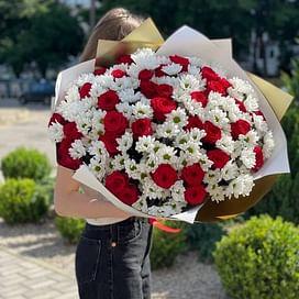 """Букет цветов """"Алиса в зазеркалье"""" 35 роз"""