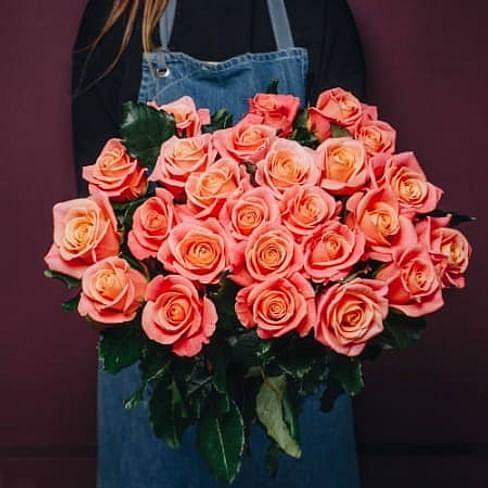 Букет роз Мисс Пигги 25 роз