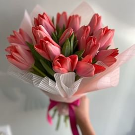 """Букет """"Весна в городе"""" (19шт)"""