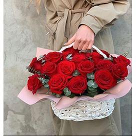 """Корзина с розами """"Саманта"""" 21 роза"""