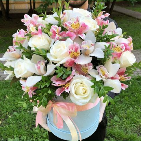 "Коробка с цветами ""Лола"""