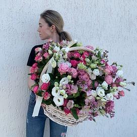 """Корзина с цветами """"Звездопад"""""""