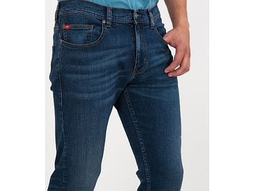 Как выбрать подходящий размер джинсов?
