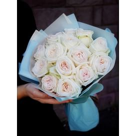 """Букет роз """"Санти"""" 15 роз Пионовидные розы"""