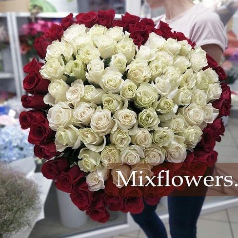 """Букет роз в форме сердца """"С любовью"""" 101 роза Эквадорская роза"""