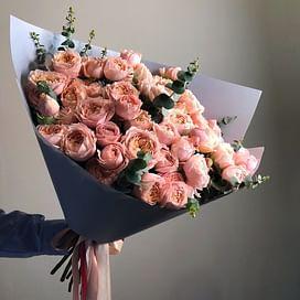"""Букет из пионовидных кустовых роз """"Джулия"""""""
