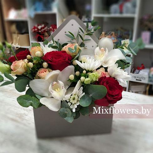 """Конверт """"Орхидея"""" Цветы в коробке"""
