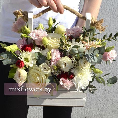 """Ящичек с цветами """"Грациозный"""" Цветы в коробке"""