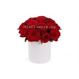 """Розы в коробке """"Алая"""" Розы в коробке 15 роз"""