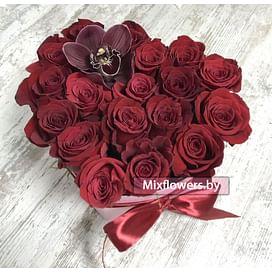 """Коробка """"Сердце из роз с орхидеей"""" Розы в коробке"""