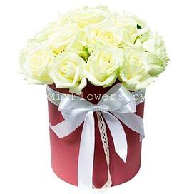 """""""Белые"""" 25 роз Розы в коробке"""