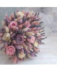 Букет Лёгкость /стабилизированные розы и лагурус