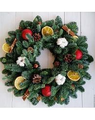 Рождественский венок с фруктами и корицей 32см пихта