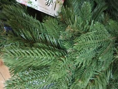 Гирлянда новогодняя зеленая литая 150см из искусственной хвои